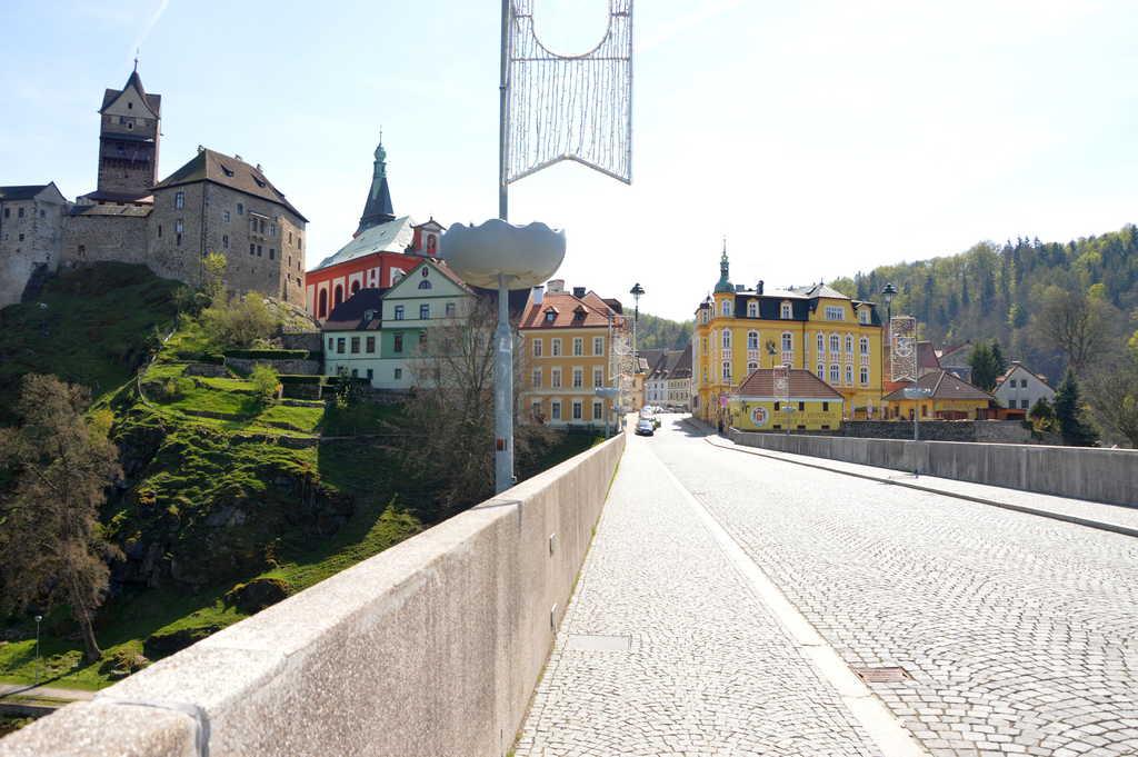 Мост у замка Локет